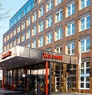 Luxury hotel in cologne cologne 5 star hotels for Designer hotel koln